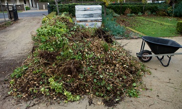 Garden rubbish removal services London